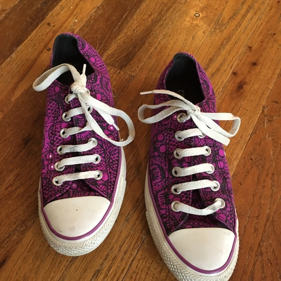 Purple skull Converse